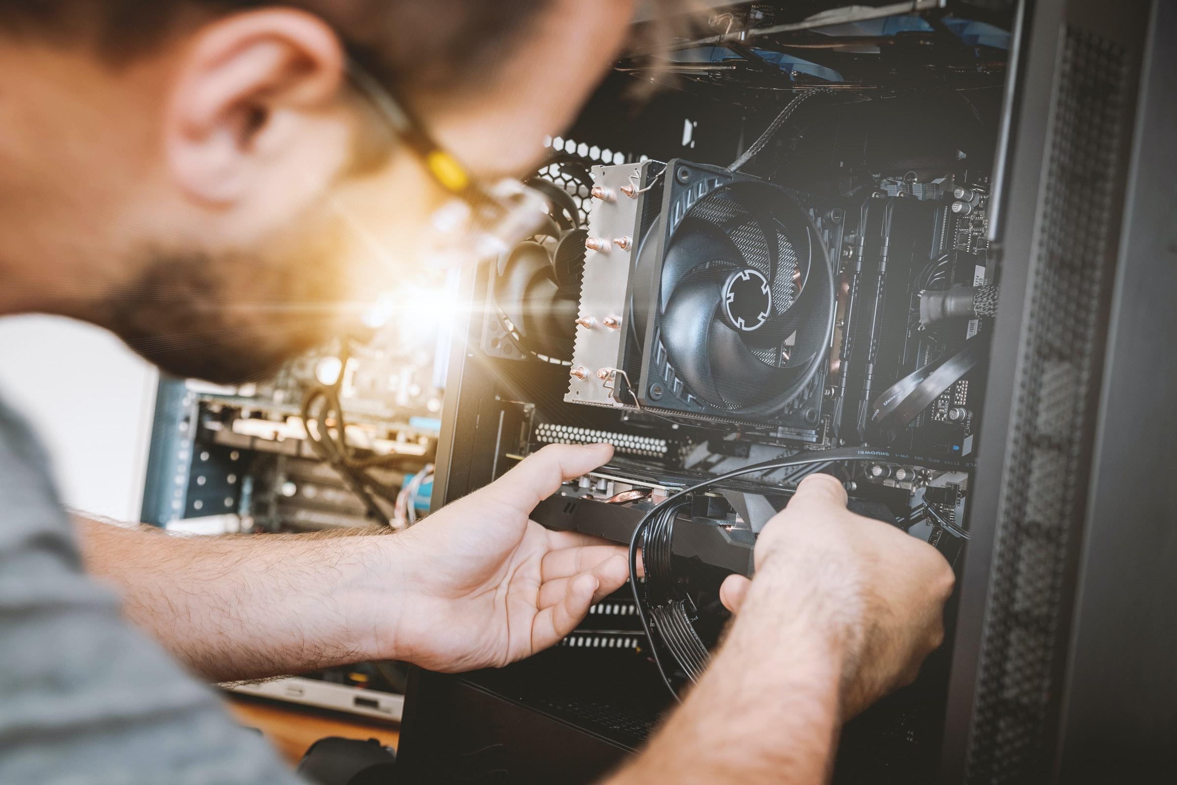 tekniker lagar server