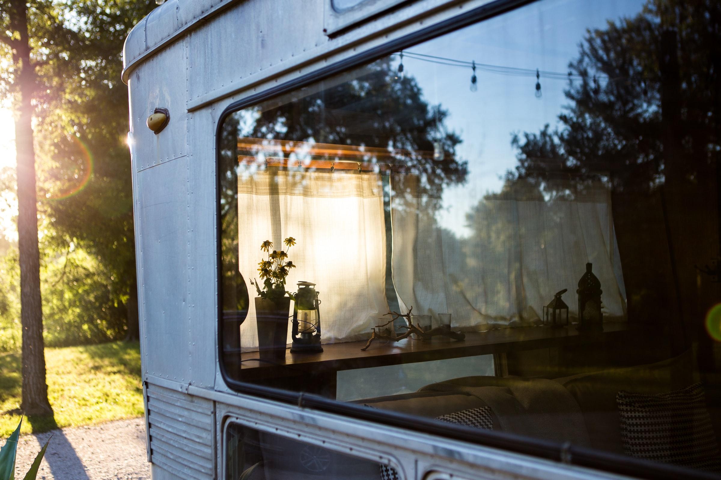 fönster på mobil arbetsvagn